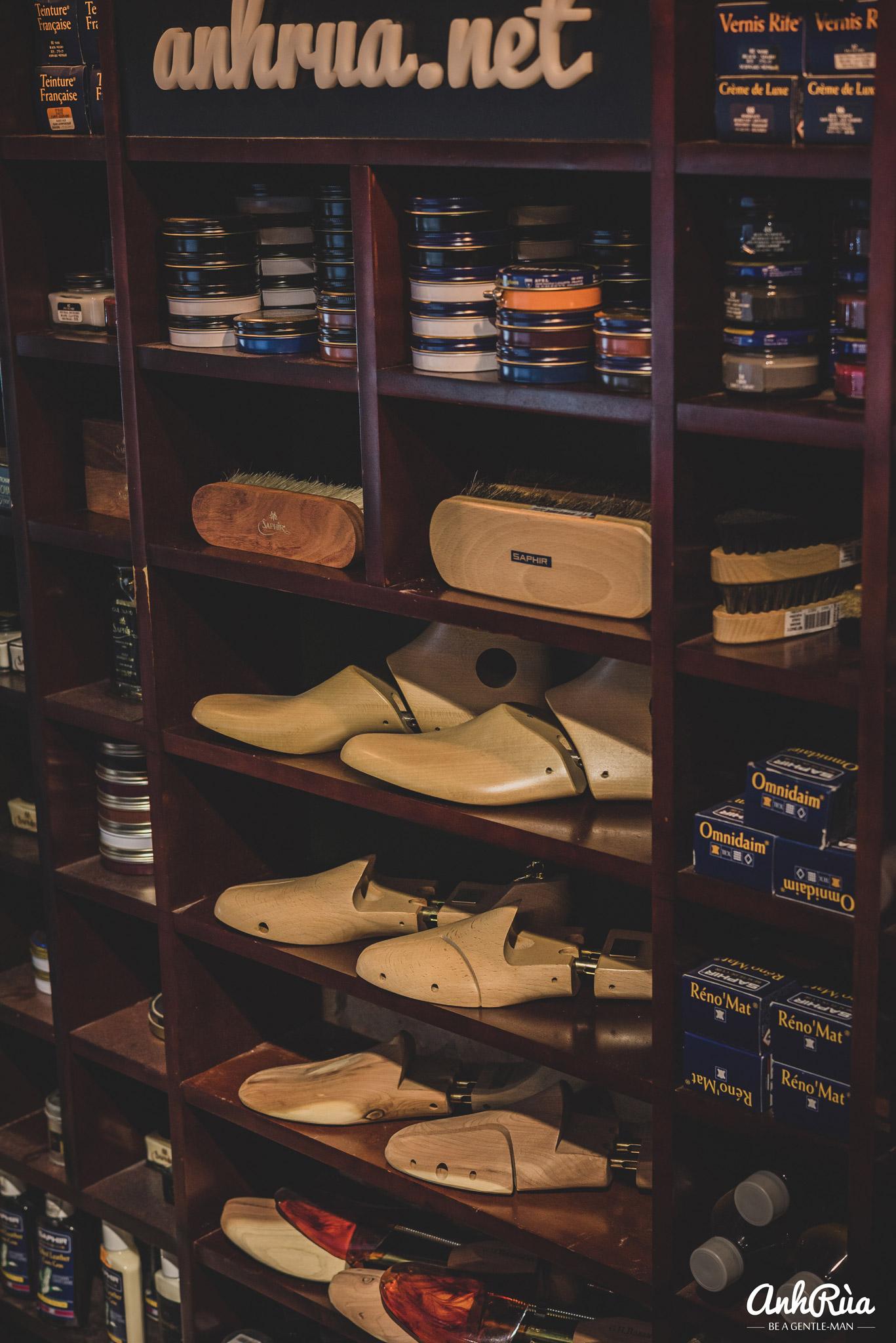 Sản phẩm chăm sóc giày tại Anh Rùa