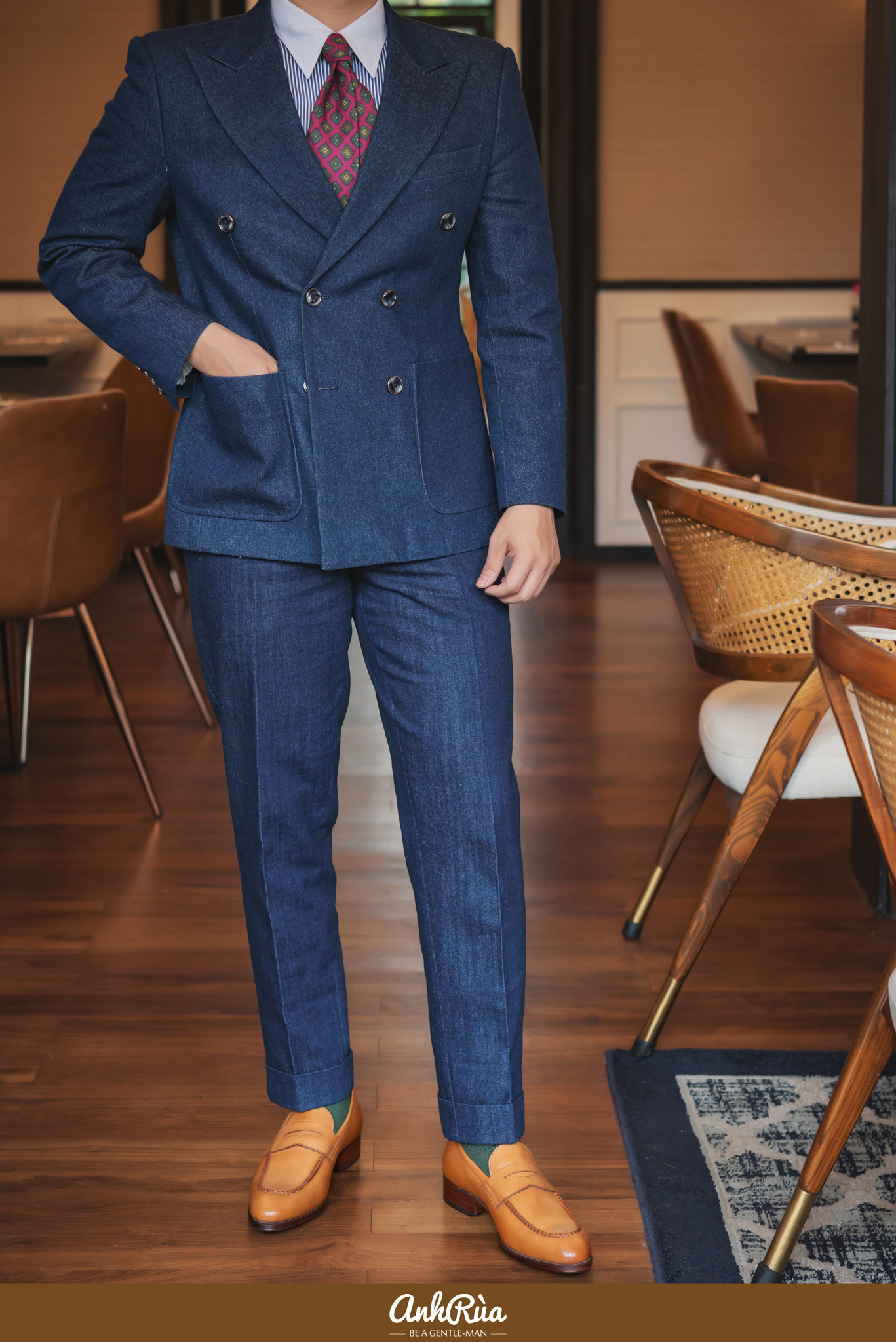 Denim double breasted suit với Light Brown Penny Loafers