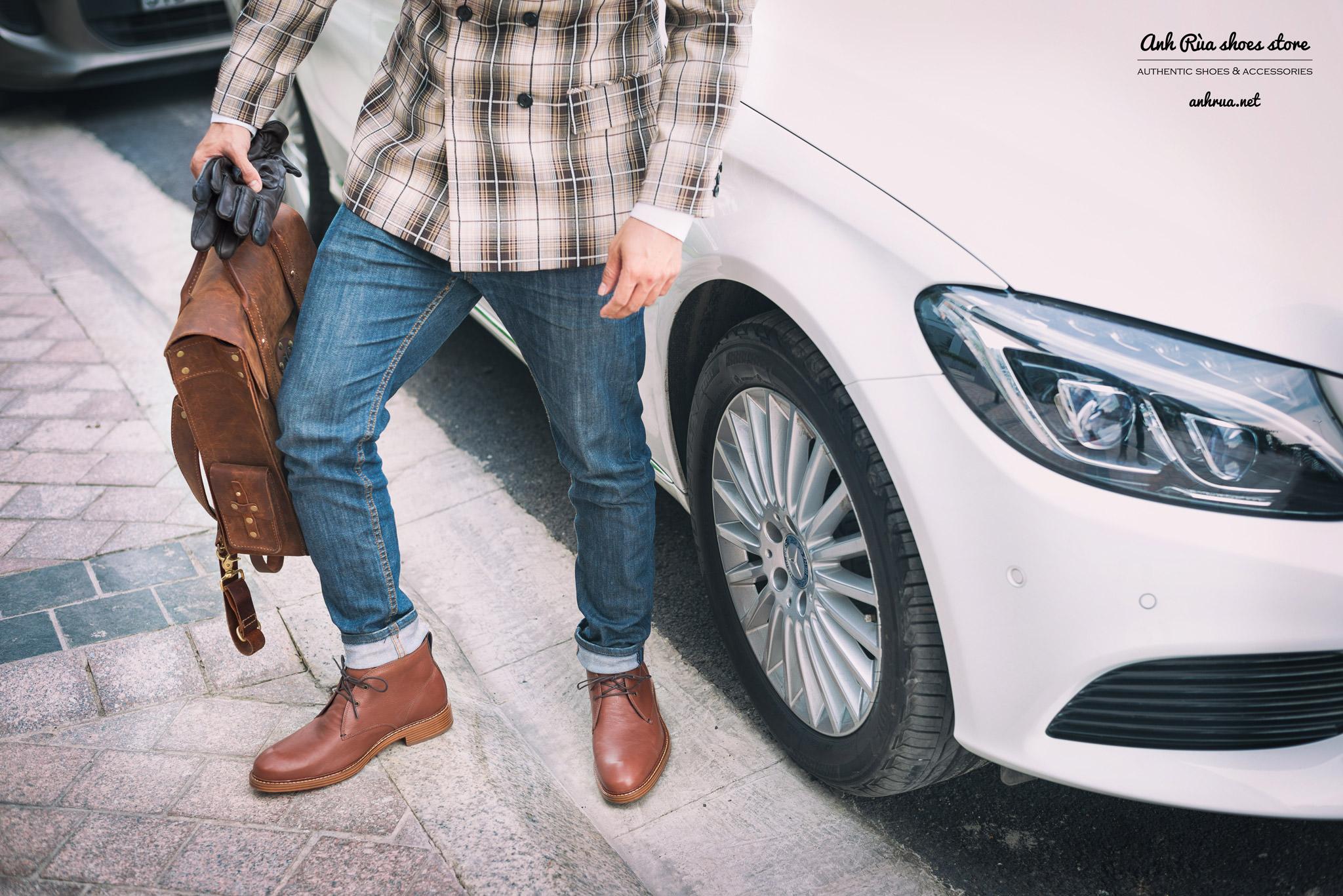 Giày boots nam light cognac chukkas