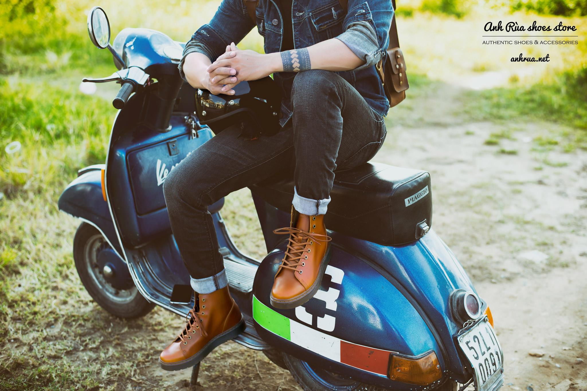 Giày boots nam tan combat