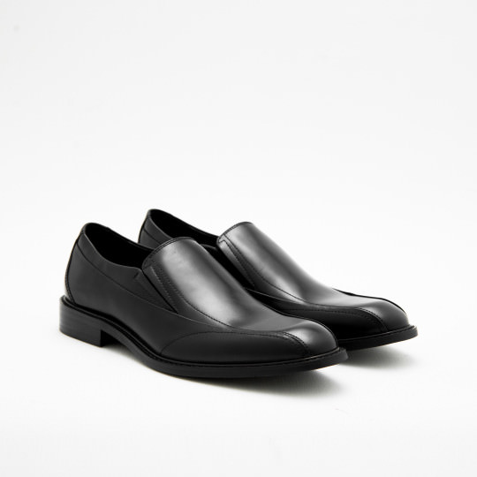 Black Bicycle-toe Loafers KCNY