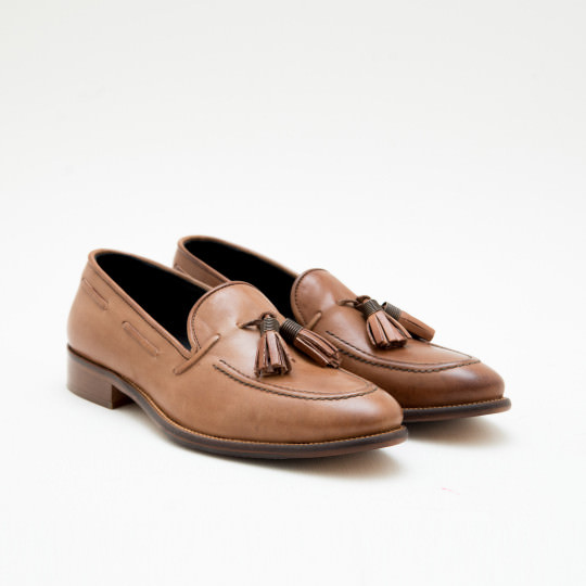 Camel Tassels Loafers KCNY