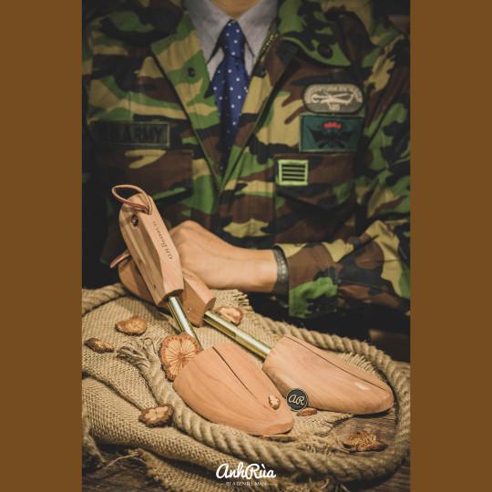 Cây giày (shoe trees) BASS