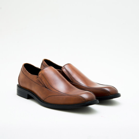 Light Brown Bicycle-toe Loafers KCNY