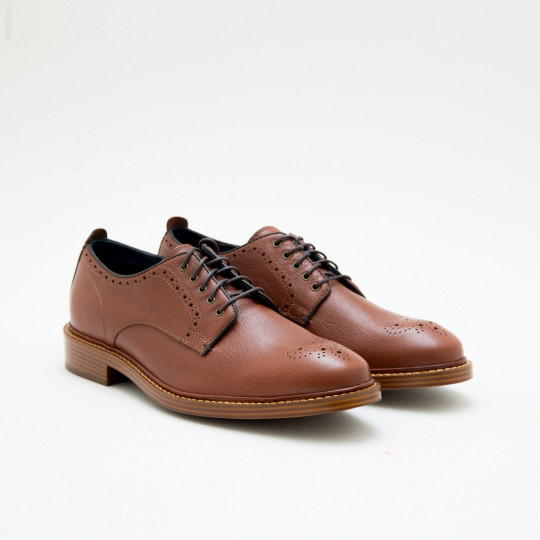 Giày Tây Nam Light Brown Derby plain-toe with medallion Cole Haan